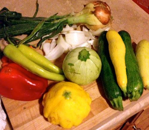 Heirloom Tomato Salad w/ Nectarine & Proscuitto » Savour the Senses