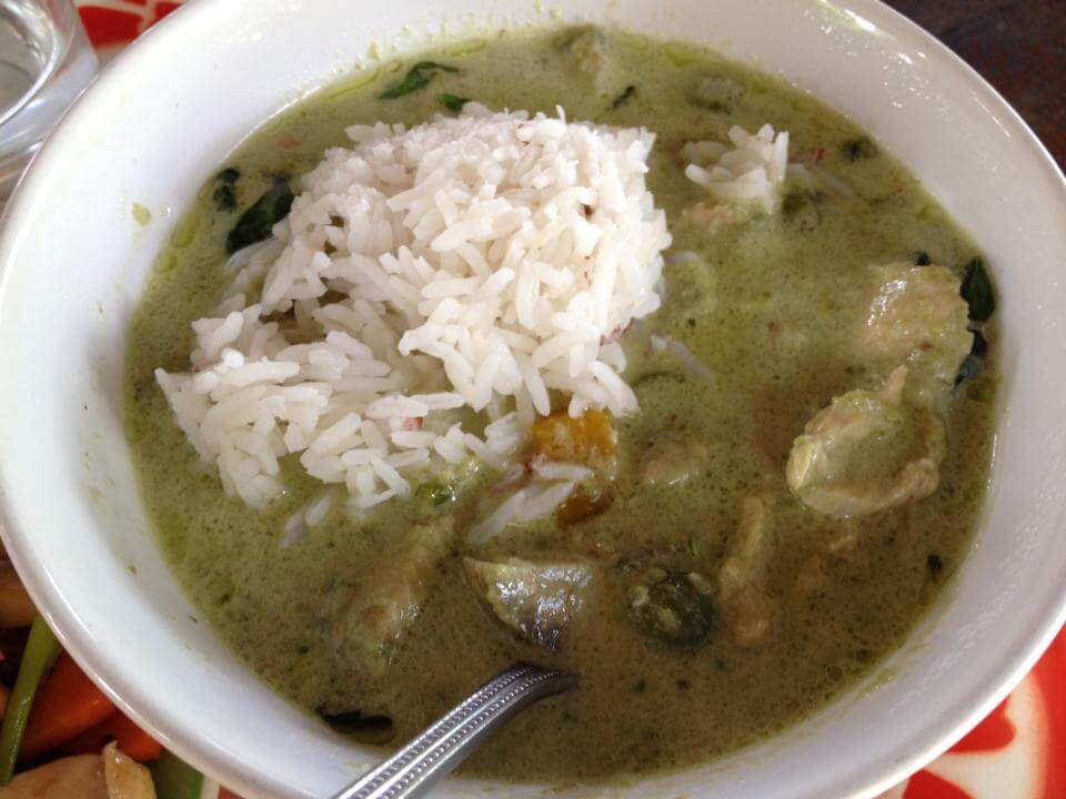 Chicken Green Curry {Kaeng Kiao Waan Gai}