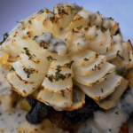 Blooming Onion w/ Herbed Béchamel Sauce