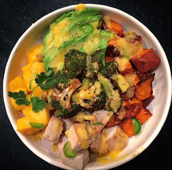 spicy-mango-chicken-buddha-bowl